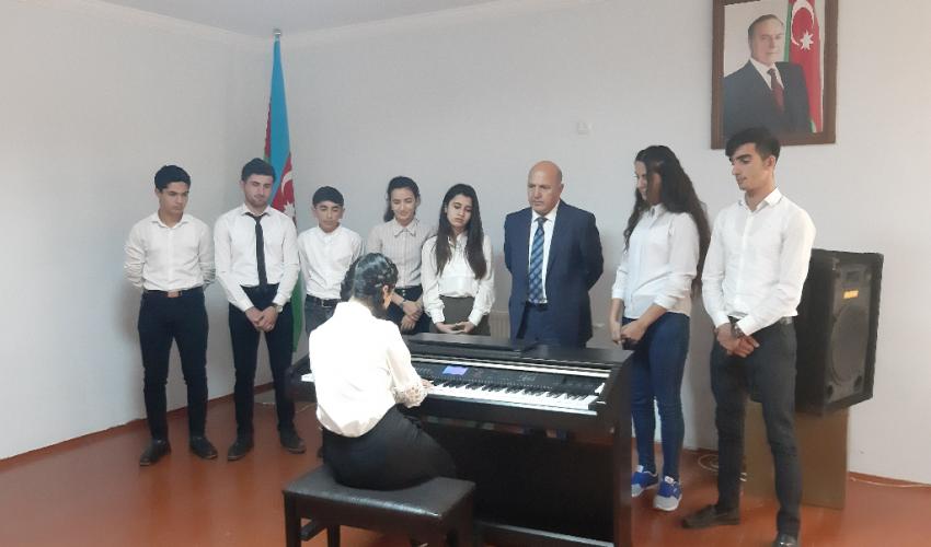 Mədəni Kütləvi Tədbir Piano